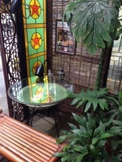 アジアンパーム 店先のテーブル.jpeg