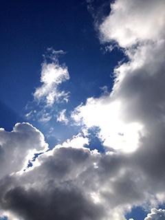 北海道旅行 08 微妙な雲.jpg