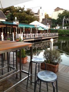 カナルカフェ レストランを望む-1.jpg