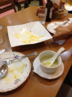 サイノ パパド、マッシュルームスープ、サラダ.jpg