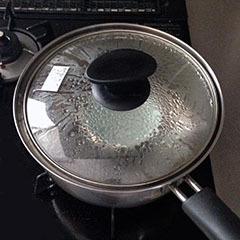 スイートシナモンカプチーノ03 沸騰したら火を止める.jpg
