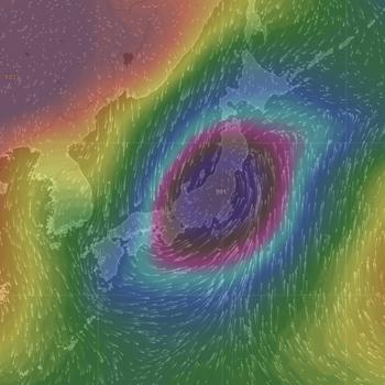 日本上空から低気圧を見る 240.png