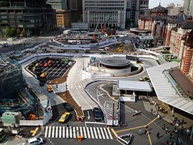 東京駅中 10 駅前開発中.jpg