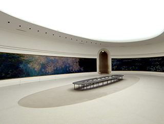 水の画家 モネの睡蓮 パリ オランジュリー美術館 トリミング 320.jpg