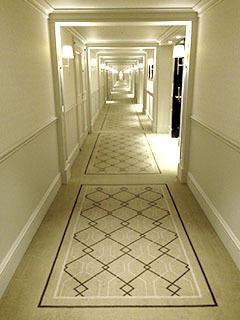 TSHインテリア06 廊下が恐ろしく長い.jpg